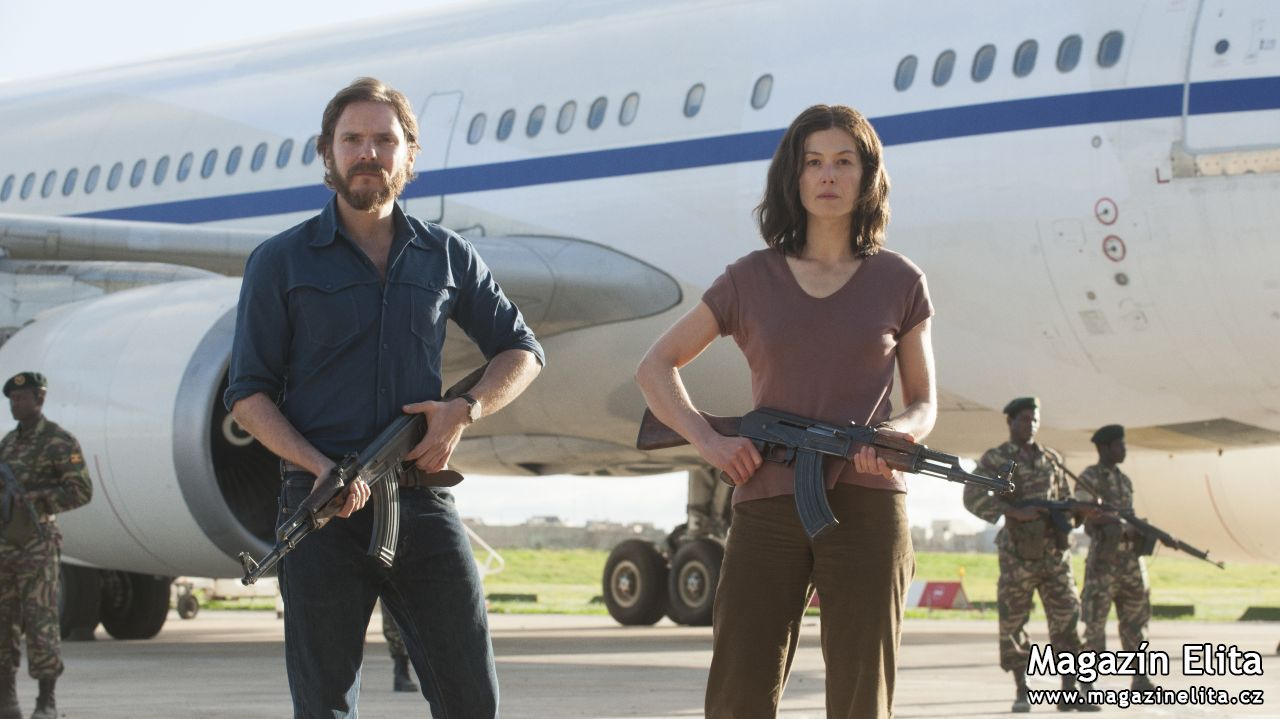 THRILLER OPERACE ENTEBBE  MÍŘÍ DO KIN